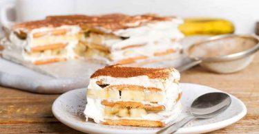 Dessert avec des biscuits et trois types de pudding