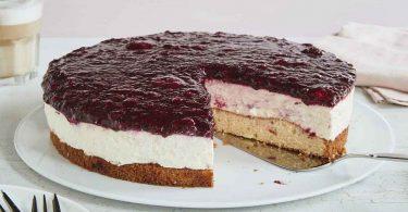 Gâteau aux fruits rouges simple et rapide