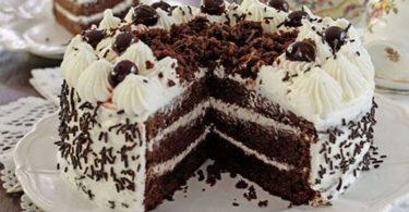 Gâteau forêt noire, génoise au chocolat et à la crème