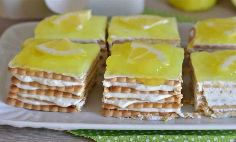 Recette parfaite au yaourt et biscuits sucrés au citron