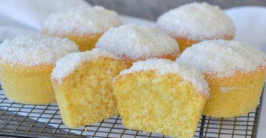 Les muffins à la crème et noix de coco